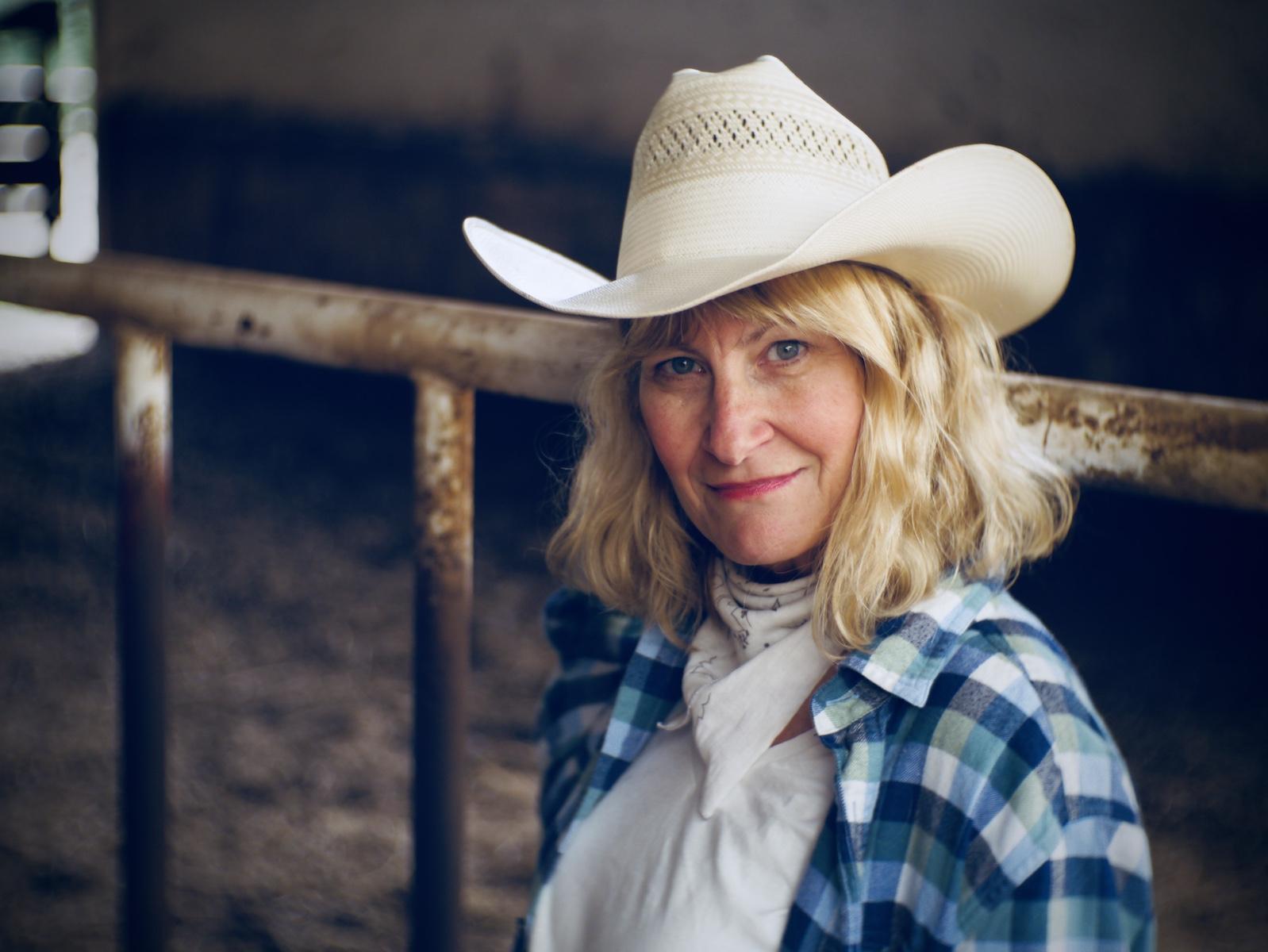 Julie Elizabeth Knell